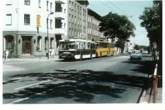 """Bild 11: SKODA """"14Tr, ab 1984 und IKARUS-GANZ """"280T"""", ab 1985 an der Haltestelle Grabowstraße (K. Reichenbach - Plauen)"""
