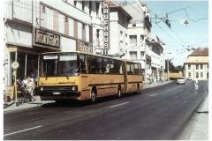 """Bild 12: IKARUS-GANZ-Gelenk-Obus """"280T"""", ab 1985, am Markt (K. Reichenbach - Plauen)"""