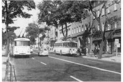 """Bild 8: SKODA-Obus """"9Tr"""" der vierten Generation, ab 1969 in der Eisenbahnstraße (K. Reichenbach - Plauen)"""