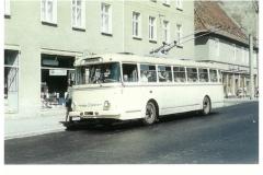 """Bild 9: SKODA """"9Tr"""", Übernahme aus Berlin 1973, später mehrfach umgebaut, am Markt (K. Reichenbach - Plauen)"""